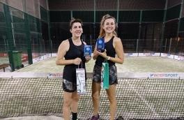 <p>Clara Mezquita y Marta Domenech, Campeonas Consolación Torneo Femenino 4ª Categoría</p>