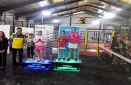 Laura Sánchez Márquez y Aina Hermida Moreno Campeonas deI Super Gran Slam de Menores Espai Blanes, categoría benjamín femenino.