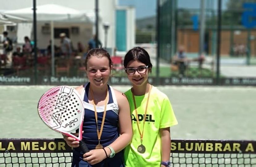 Laura Caris y Sara Muñoz, Campeonas Consolación Torneo Fin de Curso Nivel 3
