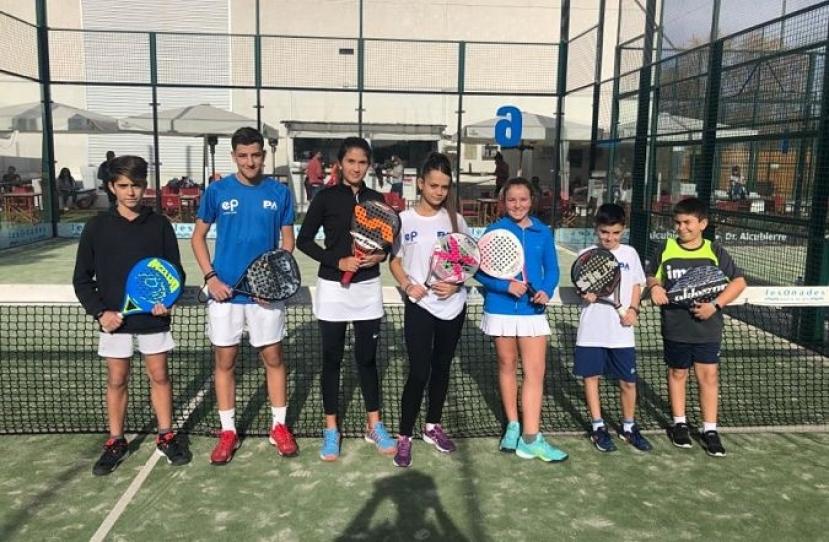 Victoria del Club Padel Vilanova Kids por 4-0 frente al Gran Via Mar Blanco