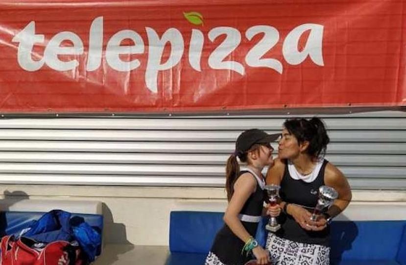Isabel Martinez y Ligia Navarrete, Campeonas Torneo Padres e Hijos Nivel 2