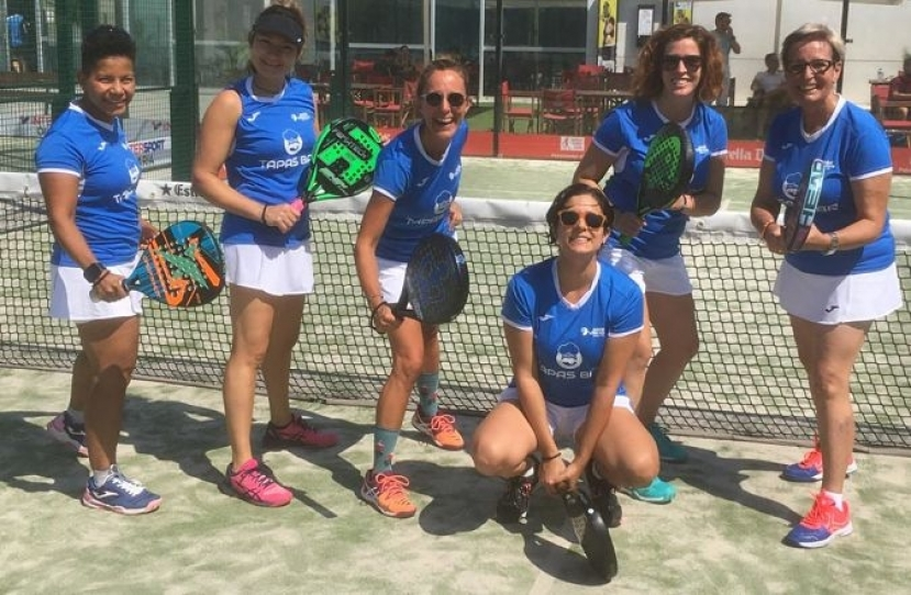 Victoria del Club Padel VIlanova Padelcat Femenino D por 2-1 frente al Slam Club Padel